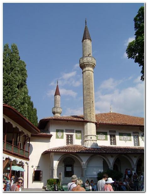 Минареты в ханском дворце Бахчисарая