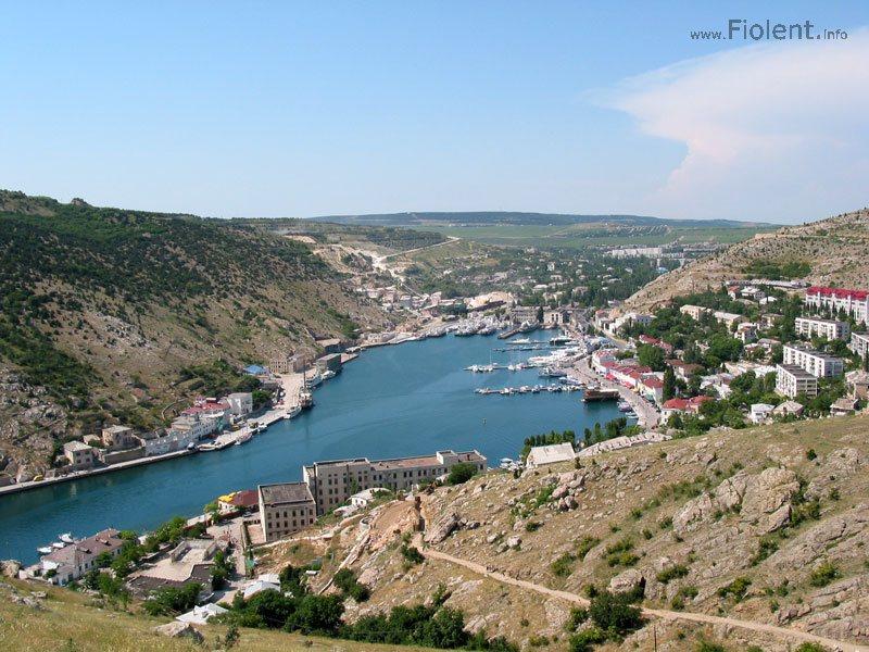 http://fiolent.biz/images/balaklava_harbour.jpg