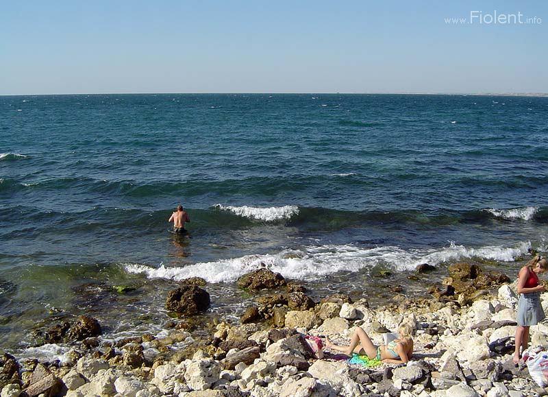 http://fiolent.biz/images/khersones_beach.jpg